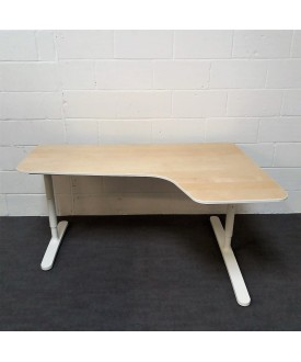 Maple right handed corner desk- 1600 x 1100