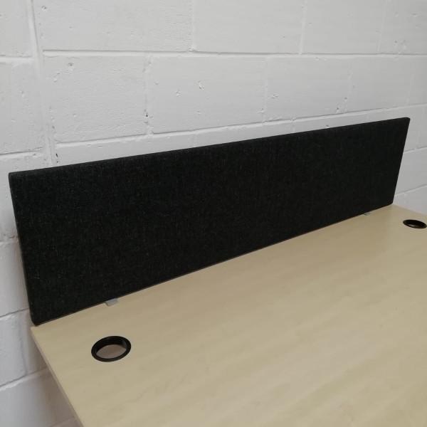 Black straight desk divider - 1600
