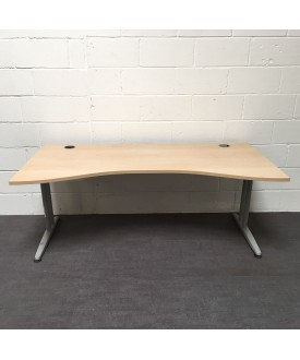 Maple wave desk- 1800