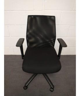 Vector Mesh Back Task Chair