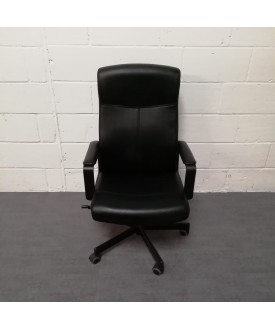 Black Leatherette Operator Chair- fixed arms