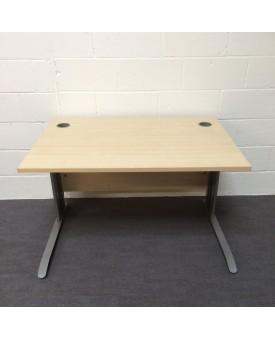 Maple straight desk - 1200 x 800