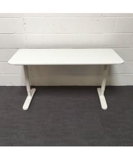 White height adjustable desk- 1400 x 600