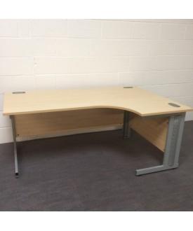 Maple right handed corner desk- 1800 x 1200