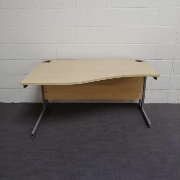 Maple left handed wave desk- 1400 x 800