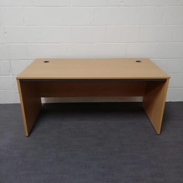 Beech straight desk - 1530 x 745