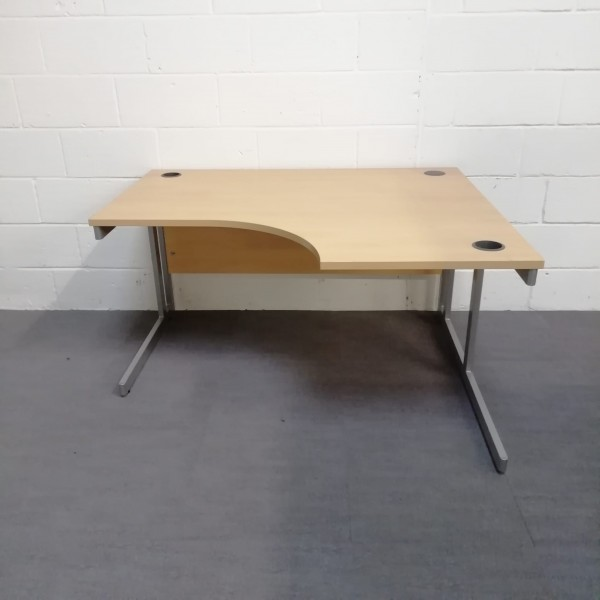 Light beech right handed corner desk - 1400 x 1200