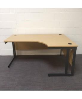 Oak right handed corner desk- 1600 x 1200