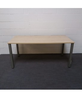 Maple straight desk - 1600 x 800