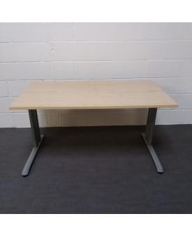 Maple straight desk - 1400 x 800