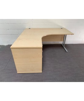 Maple left handed corner desk set- 1600 x 1200