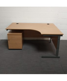 Oak right handed corner desk and mobile pedestal set- 1600 x 1200