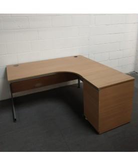 Oak right handed corner desk- 1600 x 1200- GRADE B
