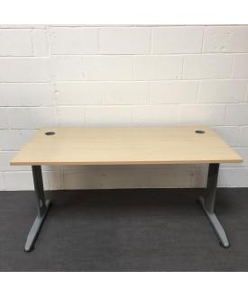 Maple straight desk - 1600 x 800