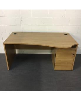 Oak right handed wave desk- 1600 x 970