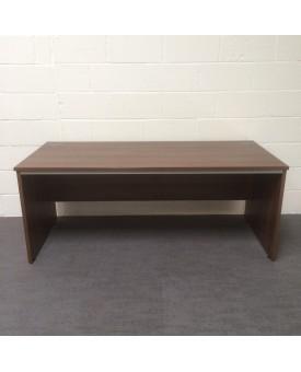 Walnut 1800 x 800 straight desk