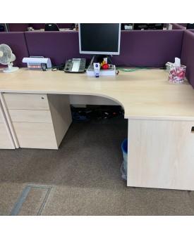 Maple right handed corner desk, pedestal and divider set- 1800 x 1200