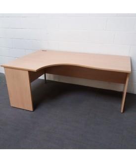 Maple left handed corner desk- 1600 x 1200