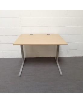Beech straight desk- 1000 x 800