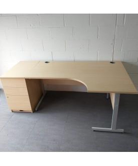 Maple right handed corner desk and desk high pedestal set- 1600 x 1200