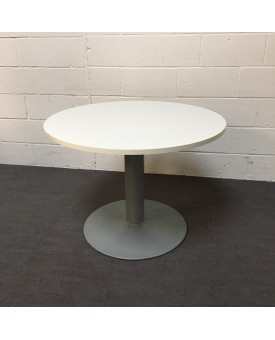 Circular 1000 white meeting table