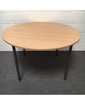 Circular beech table 1200