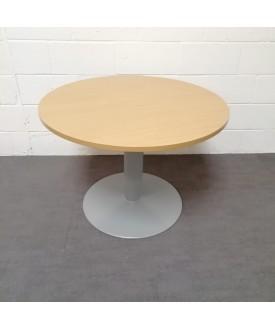 Circular 1000 beech meeting table