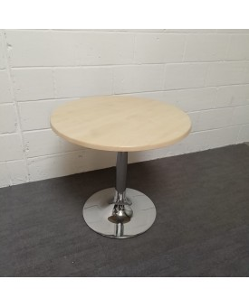 Circular 800 maple table