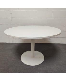 White round meeting table- 1200 x 730
