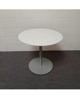 White 800 diameter table