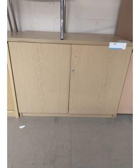 Oak cupboard- 925 x 525 x 740