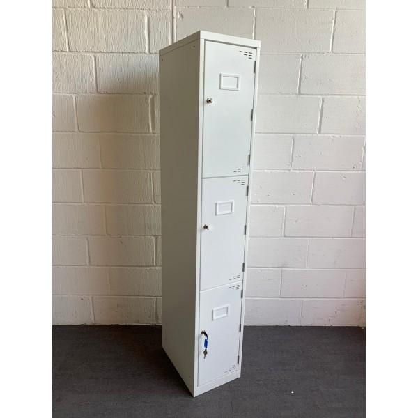 Bank of 3 storage lockers