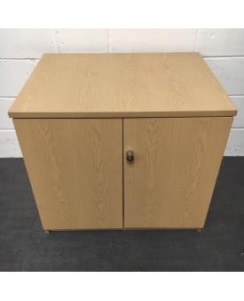 Oak cupboard- 730 x  800 x 600