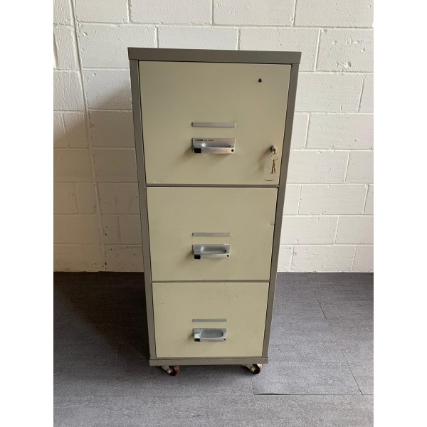 Chubb fireproof filing cabinet- 3 drawer with box insert