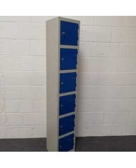 Set of 5 blue lockers
